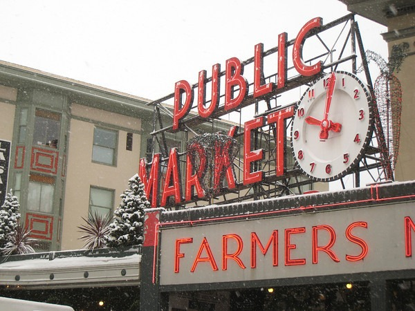 pike-market-snow