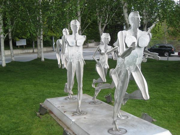 runners-statue-belltown