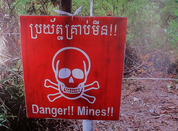 cambodian-landmine-1