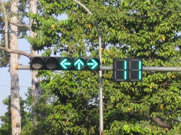 siem-reap-traffic-light