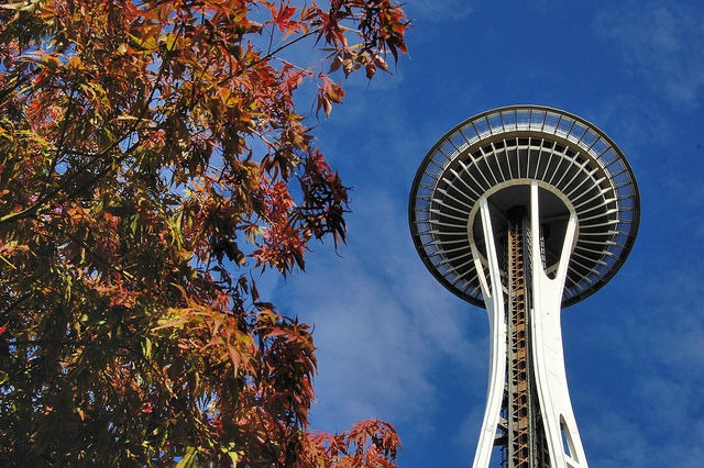 seattle-fall-space-needle